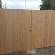 Untreated Cladding Gate, Front